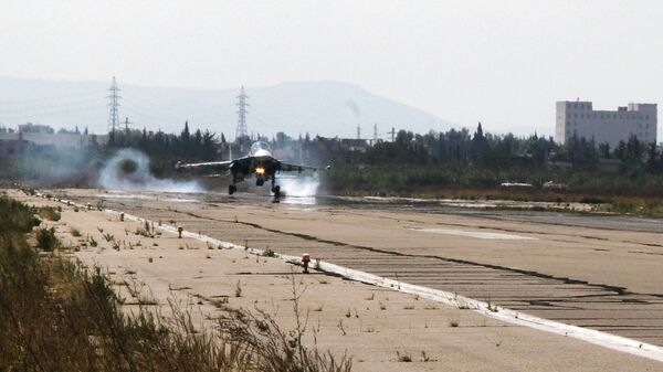 Взлетно-посадочная полоса на авиабазе Хмеймимв Сирии