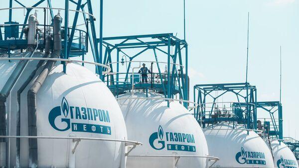 Нефтеперерабатывающий завод Газпром нефть