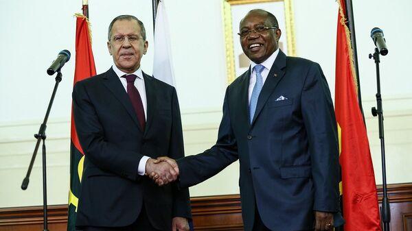 Министр иностранных дел России Сергей Лавров с Министром иностранных дел Республики Ангола Мануэлем Аугушту в Луанде. 5 марта 2018 года