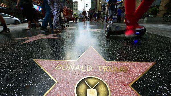 Звезда Дональда Трампа на Голливудском бульваре