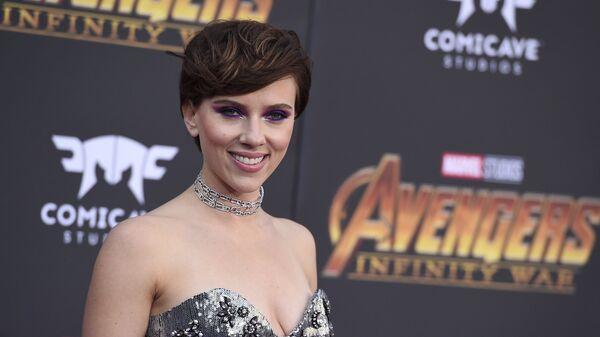 Скарлетт Йоханссон прибывает на мировую премьеру фильма Мстители: Бесконечная война в Лос-Анджелесе. 23 апреля 2018 года