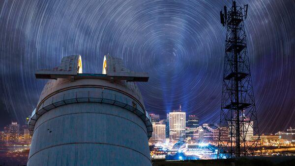 Обсерваториям вблизи городов мешает свет и излучения