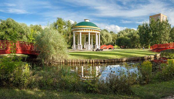 Ротонда Храм Воздуха на территории усадьбы Свиблово