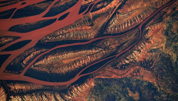 Ландшафт в центре Мадагаскара, снятый с борта МКС астронавтом НАСА Ричардом Арнольдом