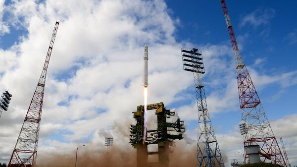 Ракета космического назначения легкого класса Ангара во время старта на космодроме Плесецк