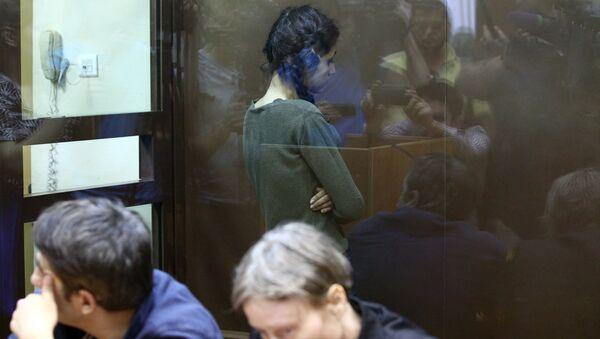 Задержанная по обвинению в убийстве 18-летняя Кристина Хачатурян в Останкинском суде. Архивное фото