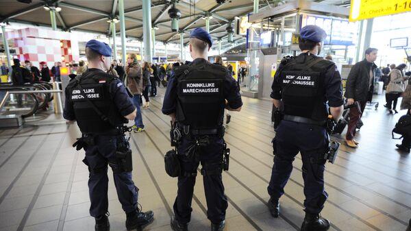 Сотрудники правоохранительных органов Нидерландов