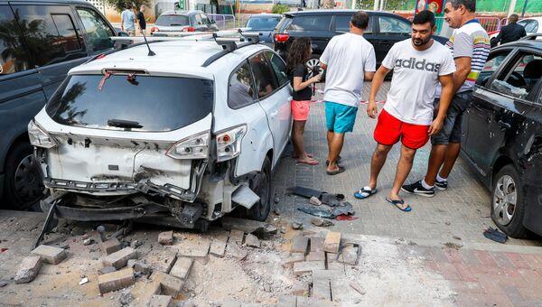 Последствия обстрела со стороны сектора Газа в израильском городе Сдерот. 9 августа 2018