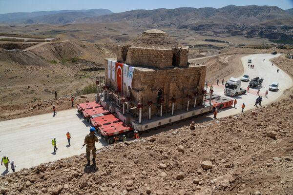 Перемещение старинной бани Artuklu Hamam
