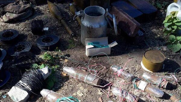 В Ленинградской области нашли крупный арсенал оружия. 15 августа 2018