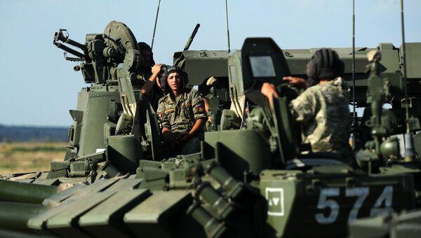 Военнослужащие во время учений Южного военного округа (ЮВО). Архивное фото
