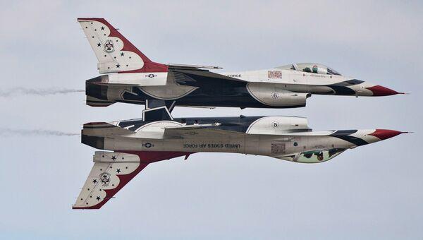 Истребители F-16 Thunderbirds ВВС США. Архивное фото