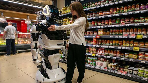 Российский сервисный робот Promobot