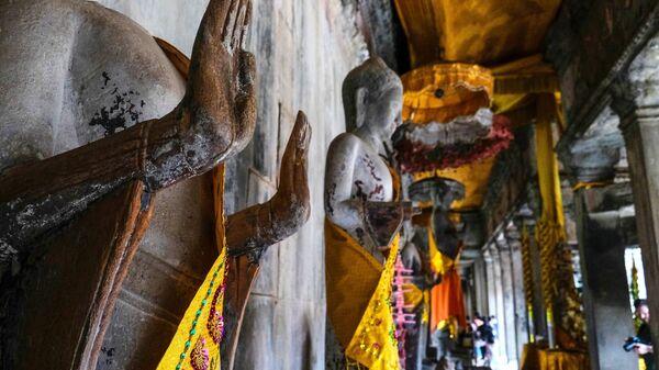 Индуистский храмовый комплекс Ангкор-Ват в провинции Сиемреап в Камбодже