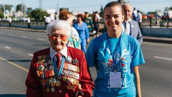 Добровольцы принимают участие в праздновании 75-летия Курской битвы