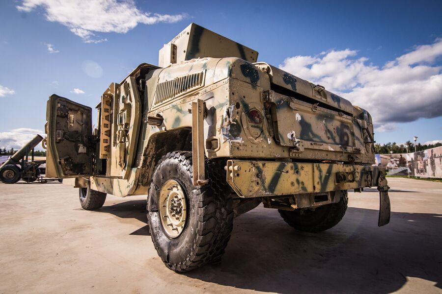 Трофейный армейский внедорожник Hummer