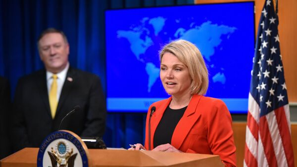 Официальный представитель госдепартамента США Хезер Науэрт и госсекретарь Майк Помпео