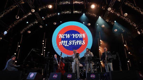 Коллектив New York All Stars выступает на 16-м международном музыкальном фестивале Koktebel Jazz Party