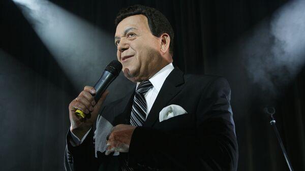 Депутат Государственной Думы РФ Иосиф Кобзон во время выступления на вечеринке в честь юбилея Prado Cafе