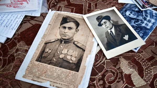 Проводники в мир семейных архивов: волонтеры запускают проект Моя история