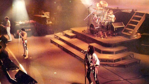 Рок-группа Queen во время концерта во Франкфурте, Германия