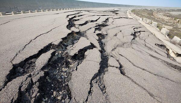 Дорога после землетрясения