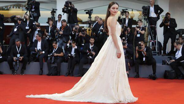 Актриса Айслинг Франциози на церемонии закрытия 75-го Венецианского кинофестиваля. 8 сентября 2018