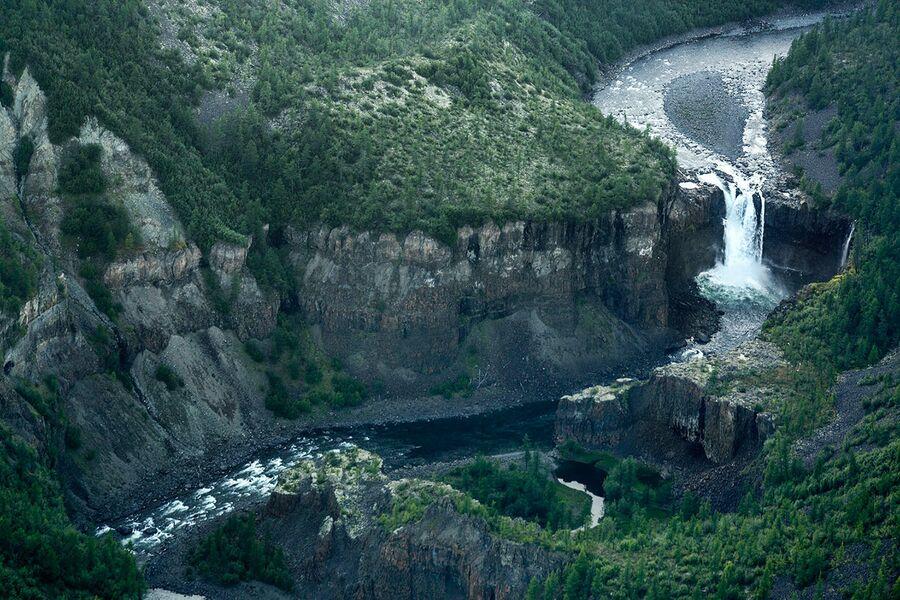 Водопад на реке Моя – Ачин