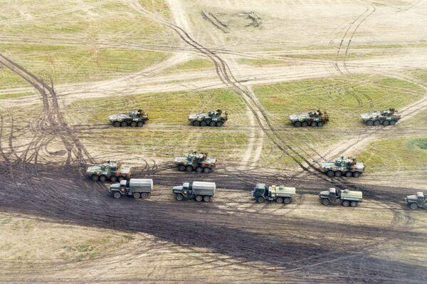 Военная техника на забайкальском полигоне Цугол, где проходит основной этап военных маневров Восток-2018