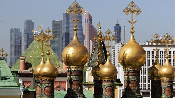Купола Верхоспасского собора Московского Кремля