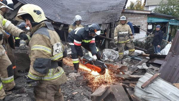 Пожарно-спасательные подразделения ликвидируют последствия хлопка бытового газа Кармаскалинском районе Республики Башкортостан. 20 сентября 2018