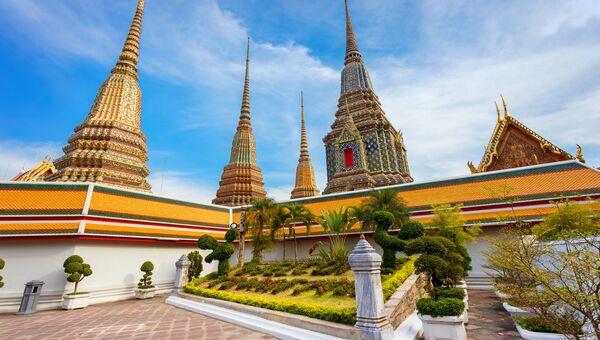 Храм Лежащего Будды (Ват Пхо) в Бангкоке, Таиланд