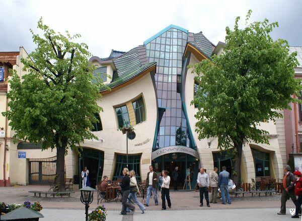 Кривой дом в польском городе Сопот