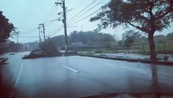 Последствия тайфуна Трами в городе Урума в Японии. 29 сентября 2018