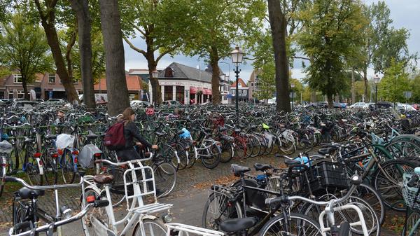 Велосипеды в городе Хорн в Нидерландах