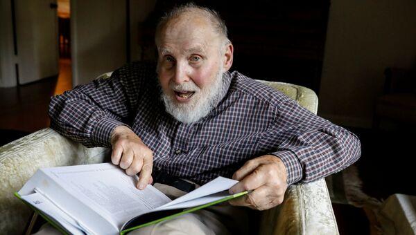 Лауреат Нобелевской премии по физике 2018 года Артур Эшкин в своем доме в Рамсоне, штат Нью-Джерси, США. 2 октября 2018