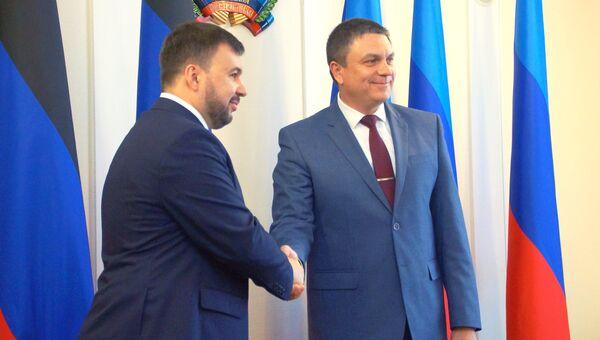 Денис Пушилин и Леонид Пасечник. Архивное фото