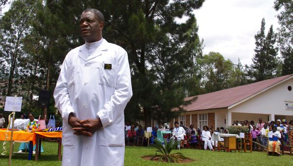 Гинеколог Денис Мукенгере Муквеге в больнице на окраине Букаву в Конго. Архивное фото