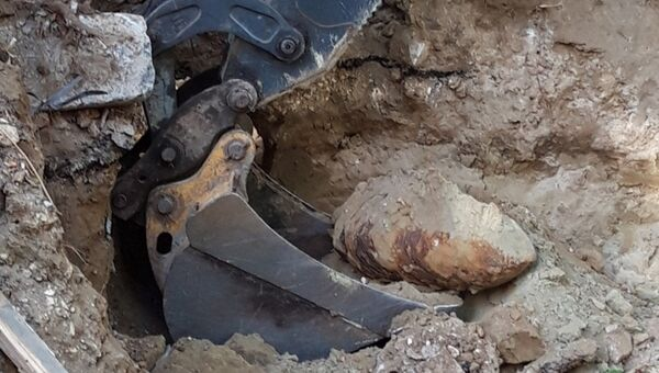 Найденная авиабомба времен Великой Отечественной войны в Дзержинском районе Волгограда. 11 октября 2018