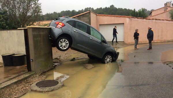 Последствия наводнения недалеко от Каркассона на юге Франции. 15 октября 2018