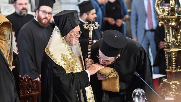 Предстоятель Константинопольской православной церкви Варфоломей I в церкви Святой Троицы в Стамбуле. Архивное фото