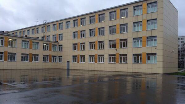 Школа №339 на улице Дыбенко в Санкт-Петербурге