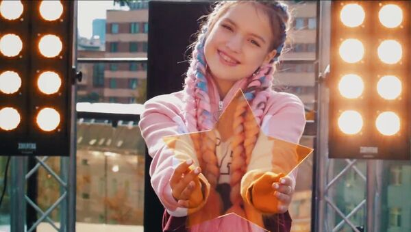 Кадр из видео к песне Анны Филипчук Непобедимы для конкурса Детское Евровидение-2018
