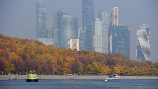 Теплоходы в акватории Москва-реки. Архивное фото