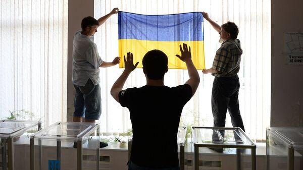 Подготовка избирательного участка к выборам президента Украины