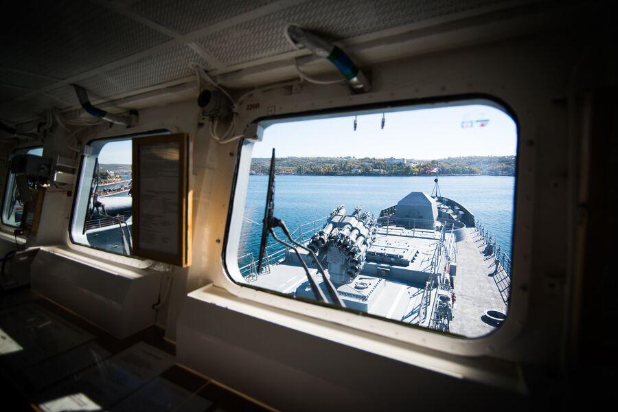 Вид с мостика фрегата Адмирал Макаров