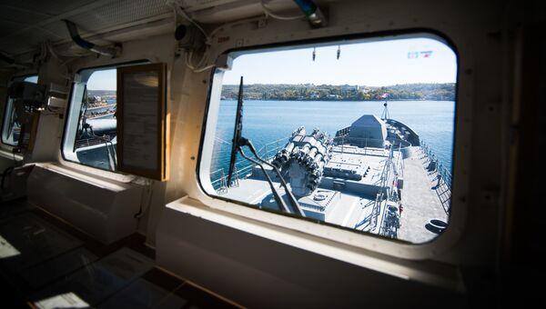 Вид с мостика фрегата Адмирал Макаров. Архивное фото