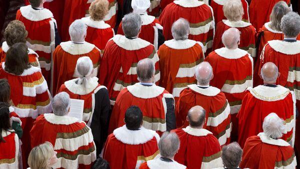 Члены палаты Лордов в Великобритании