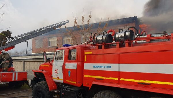 Пожар в ангаре в ангаре с мебелью в городе Тавда Свердловской области. 26 октября 2018