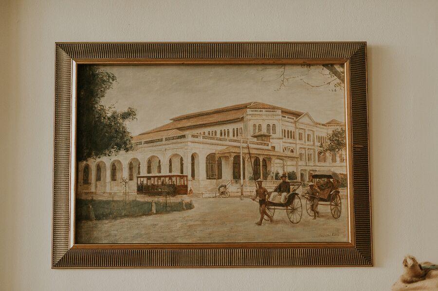 Картина в отеле Raffles Singapore